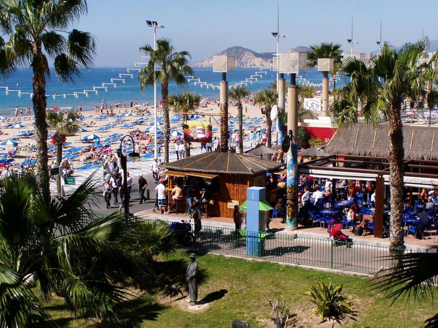 Apartment -                                       Benidorm -                                       3 bedrooms -                                       6 pax persons